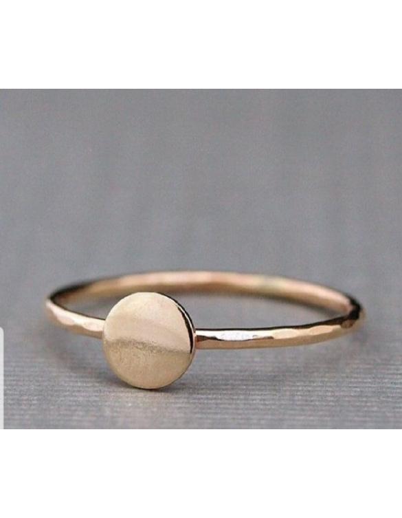 Prsten sa dragim kamenjem