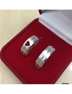 Verenički prsten sa dragim kamenjem